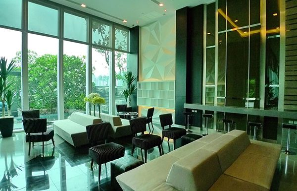 The-Address-Asoke-Bangkok-condo-for-sale-lounge-room